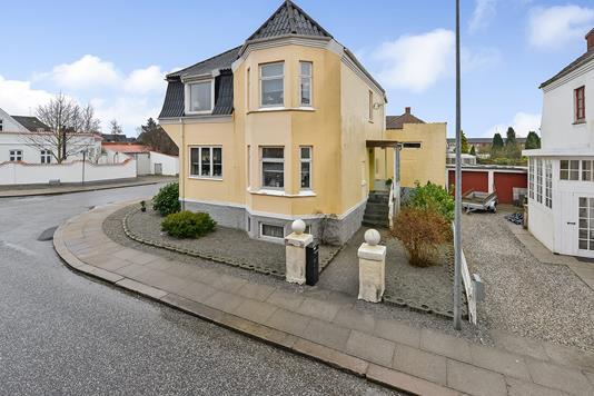 Villa på Nørrebrogade i Randers C - Ejendommen