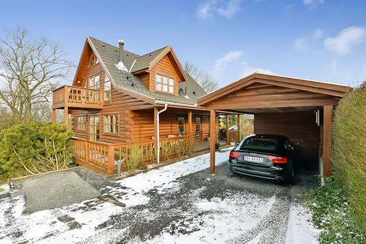Villa på Bakkevej i Randers SØ - Ejendommen