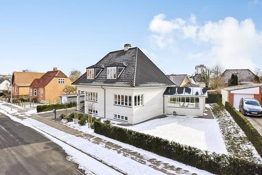 Villa på Prins Ottos Vej i Randers SØ - Ejendommen