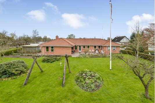 Villa på Folehaven i Randers NV - Set fra haven
