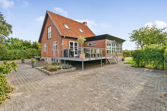 Villa på Juttasvej i Randers SØ - Ejendommen