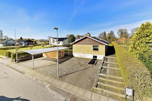 Villa på Byleddet i Randers NV - Ejendommen