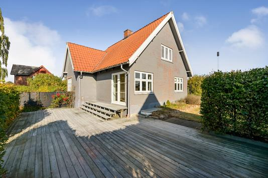 Villa på Stationsvej i Spentrup - Ejendommen