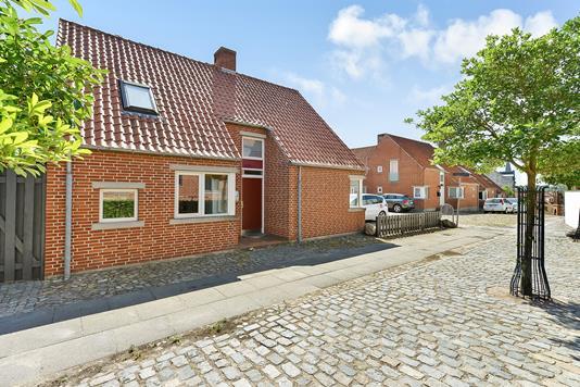 Villa på Krumstræde i Randers C - Ejendommen