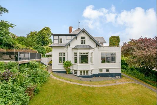 Villa på Østervangsvej i Randers C - Ejendommen