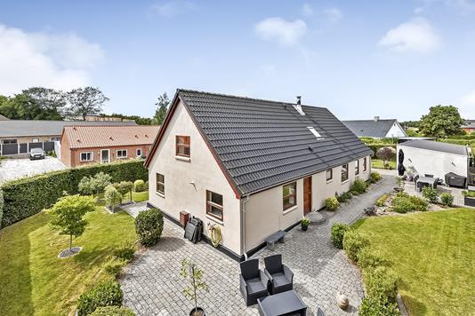 Villa på Kjeldtoften i Langå - Ejendommen