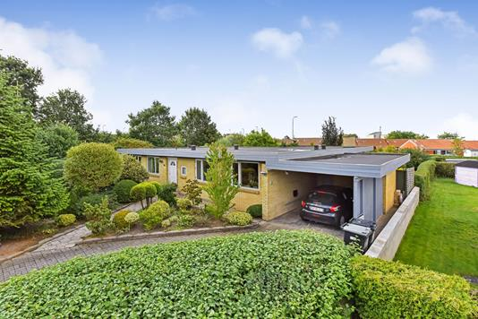 Villa på Stakhaven i Randers NV - Ejendommen