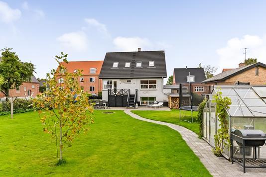 Villa på Nørre Alle i Randers NØ - Ejendommen