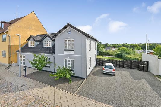 Villa på Bredgade i Langå - Ejendommen