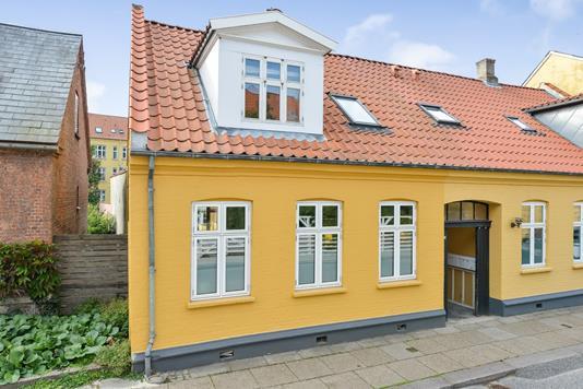 Villa på Niels Ebbesens Gade i Randers C - Ejendommen