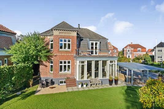 Villa på Mølleparken i Randers C - Ejendommen