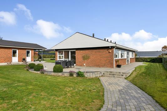 Villa på Orgelvej i Randers SV - Ejendommen