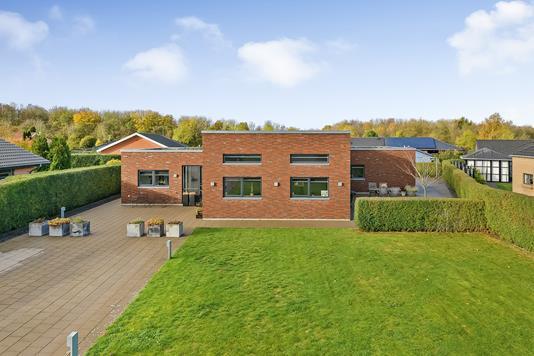 Villa på Lindelunden i Randers SØ - Ejendommen
