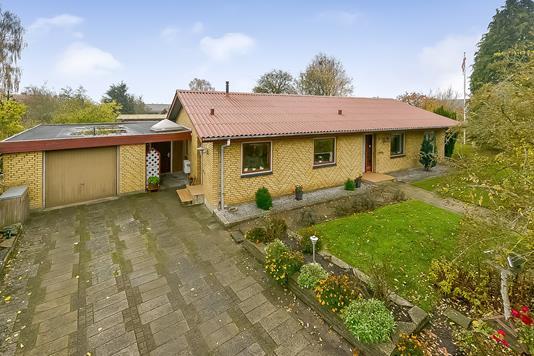 Villa på Ramshøjvej i Randers SV - Ejendommen