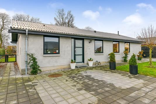 Villa på Fridasminde i Randers SØ - Ejendommen
