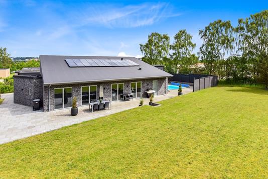Villa på Henriettelyst i Randers SV - Ejendommen