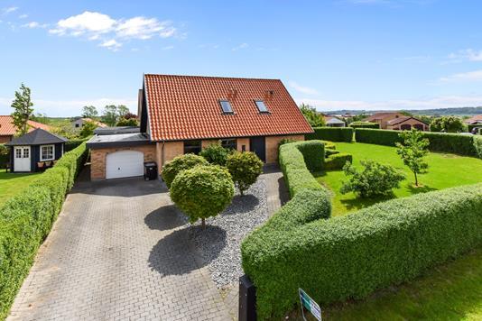 Villa på Jadedalen i Randers NØ - Ejendommen