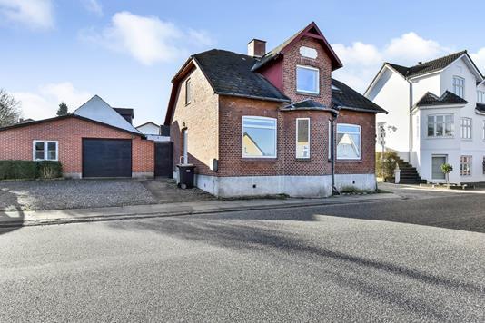 Villa på Kærgade i Randers SV - Ejendommen