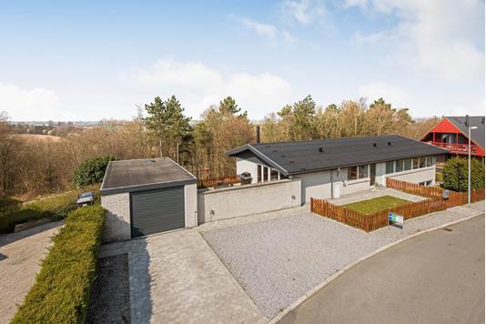 Villa på Nattergalevej i Randers SØ - Ejendommen
