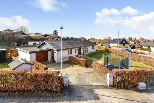 Villa på Kløvervangen i Randers NV - Ejendommen
