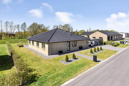 Villa på Aresvej i Randers SØ - Ejendommen