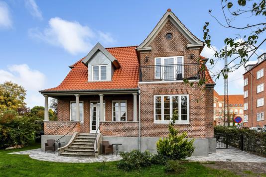 Villa på Egevangen i Randers C - Ejendommen