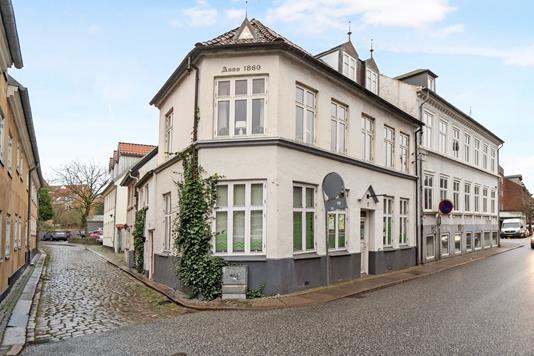Villa på Vestergade i Randers C - Ejendommen