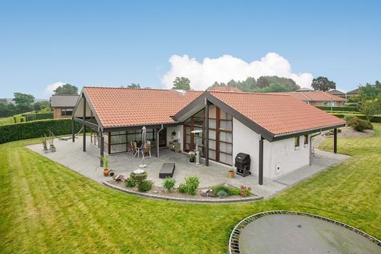 Villa på Skovsangervej i Randers SØ - Mastefoto