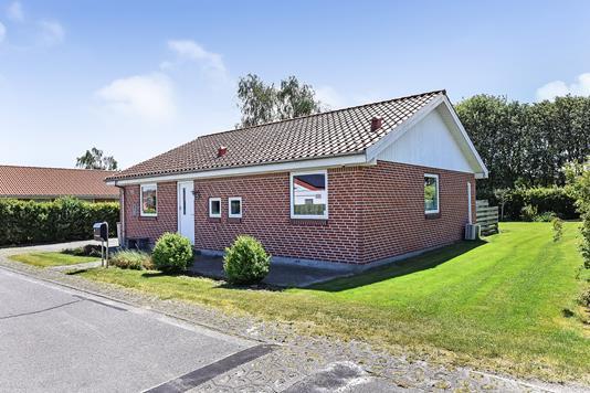 Villa på Niels Bohrs Vej i Randers NV - Ejendommen