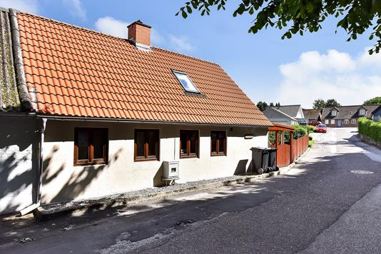 Villa på Revlsbjergvej i Randers SØ - Ejendommen