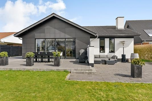 Villa på Kirsebærvej i Randers NV - Ejendommen