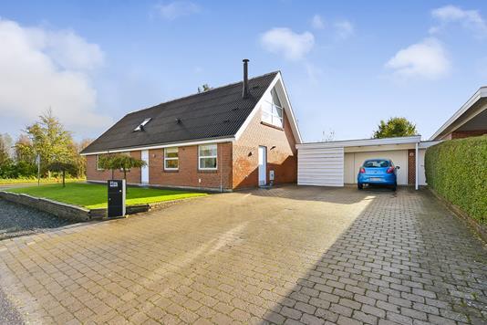 Villa på Wennerbergsvej i Randers NV - Ejendommen