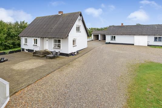 Villa på Dr. Madsensvej i Randers NØ - Ejendommen