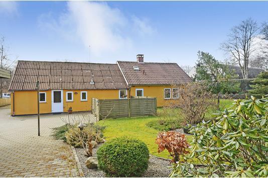 Villa på Torvegade i Oksbøl - Ejendommen