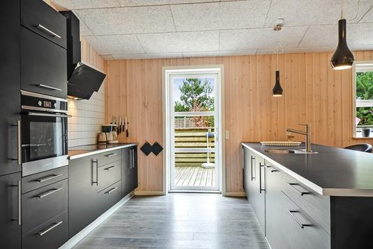 Fritidsbolig på Peter Malersvej i Blåvand - Køkken