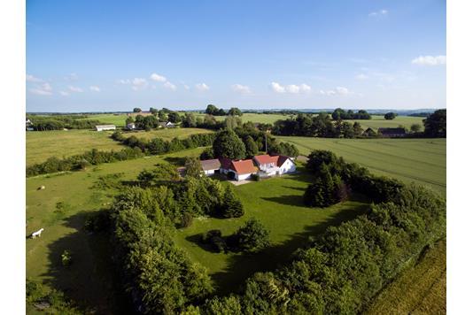 Landejendom på Storhøjvej i Skanderborg - Luftfoto