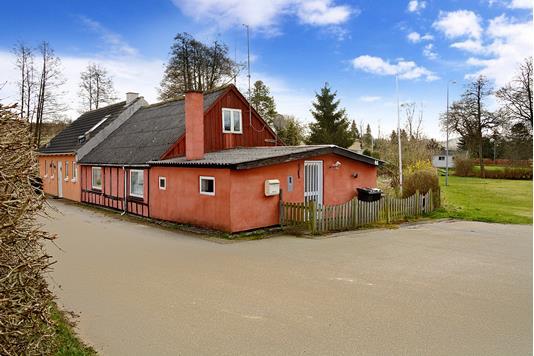 Villa på Ravnsøvej i Ry - Ejendommen