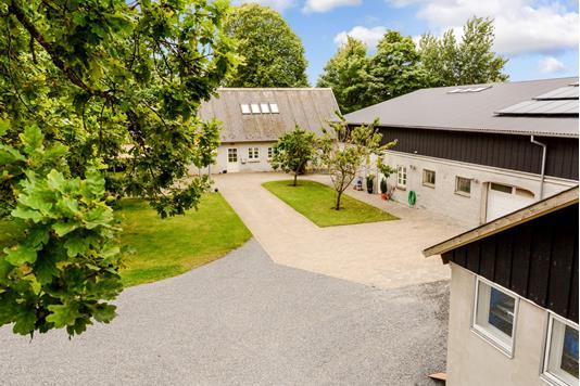 Villa på Lysmosevej i Låsby - Ejendommen