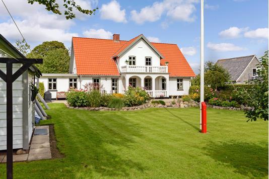 Villa på Grumstrupvej i Hovedgård - Ejendommen