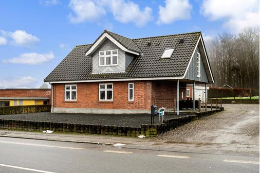 Villa på Gl Silkeborgvej i Låsby - Ejendommen