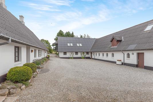 Landejendom på Svejstrupvej i Skanderborg - Ejendommen