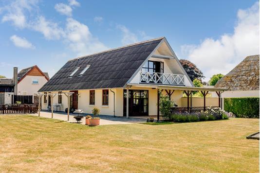 Villa på Illerupvej 8 & i Skanderborg - Ejendommen