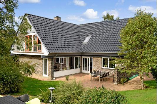 Villa på Liljevænget i Hørning - Ejendommen