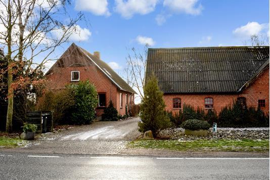 Villa på Nygaardsvej i Odder - Set fra vejen