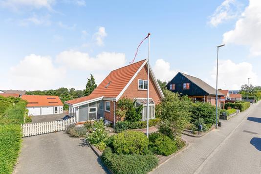 Villa på Strandby Kirkevej i Esbjerg Ø - Ejendommen