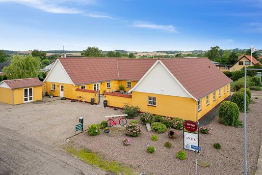 Villa på Pilevej i Fårevejle - Set fra vejen