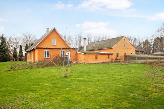 Villa på Skelbæk i Snertinge - Ejendom 1