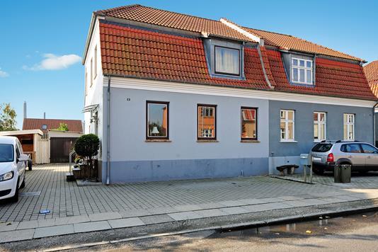 Villa på Skovsgårdsvej i Nakskov - Ejendommen