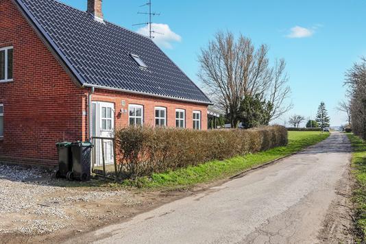 Villa på Lindelsevej i Harpelunde - Ejendommen