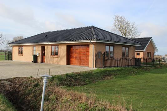 Villa på Lillemarken i Harpelunde - Ejendommen